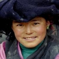 Sangmo maakt haar school af en gaat dan naar de universiteit.